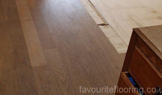 Before start laying new Oak wood