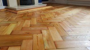 Sanding Pine parquet flooring