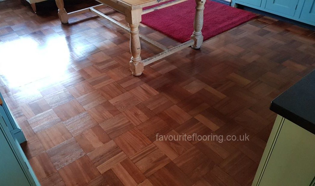 Teak mosaic-sanding and varnish