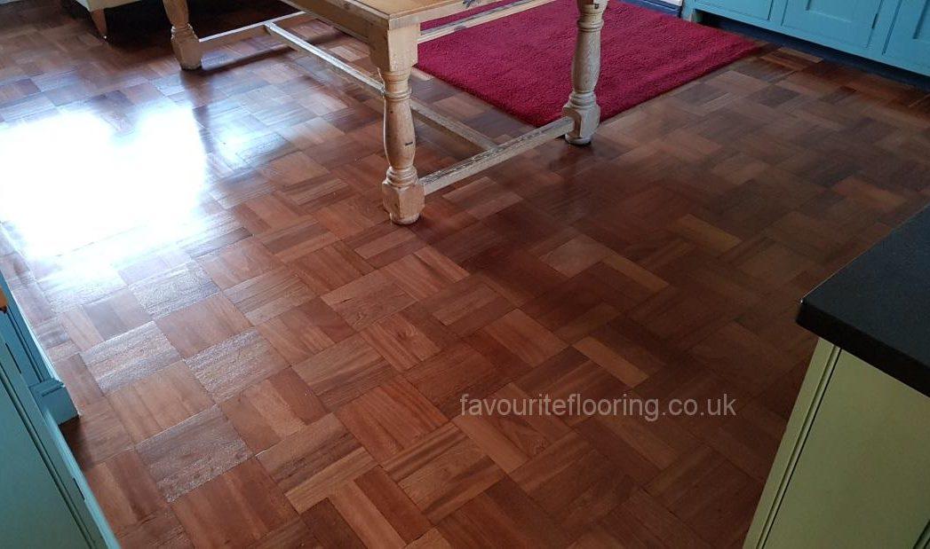 Teak mosaic-sanding and varnish