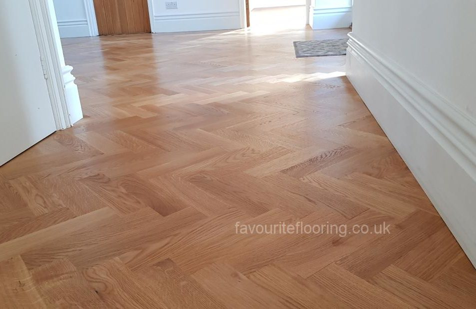 Oak herringbone floor installer