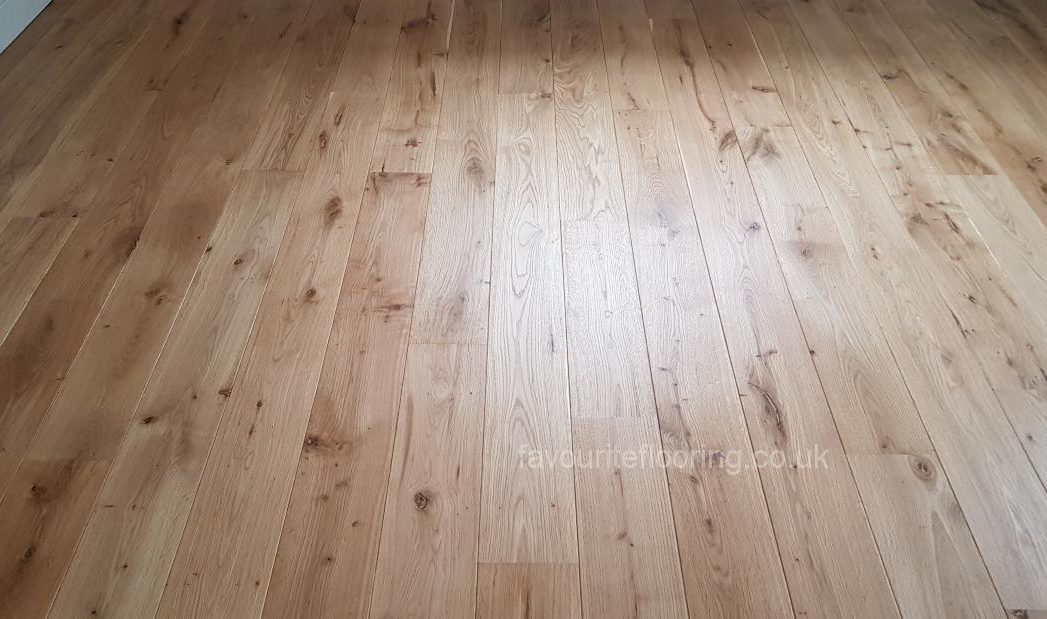 Engineered Oak boards with bevel