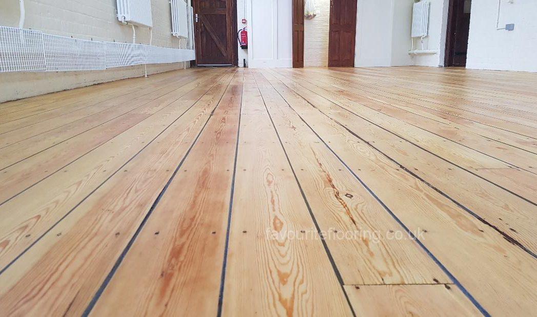 Pine Boards Varnish