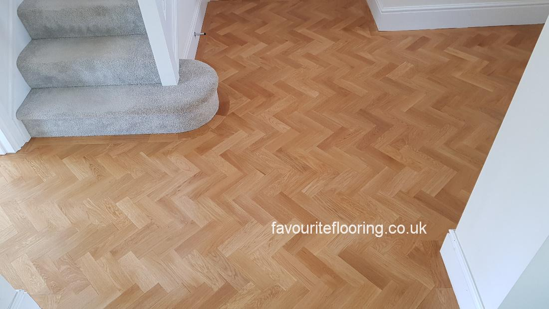 Parquet flooring with one border