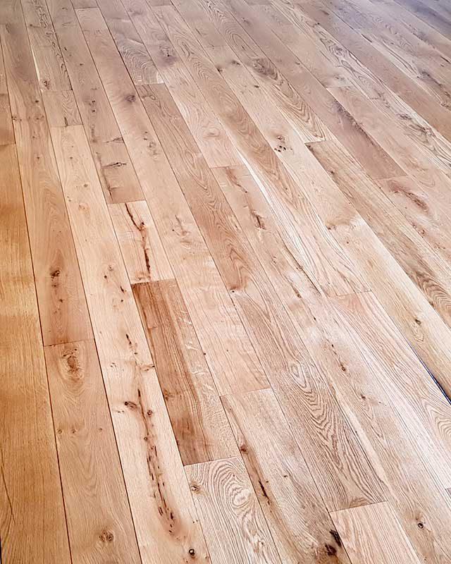 https://favouriteflooring.co.uk/wp-content/uploads/2020/03/Solid-Wood-Flooring-01-800x800-1-640x800.jpg?v=1615847392