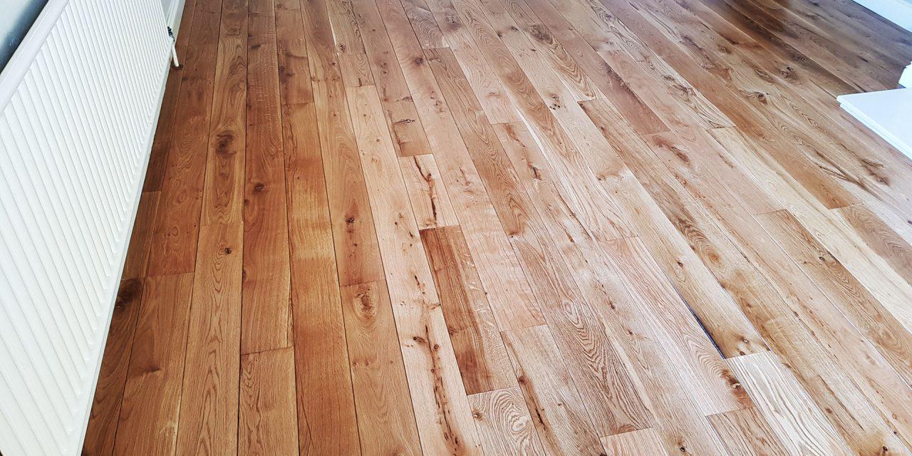 https://favouriteflooring.co.uk/wp-content/uploads/2020/05/Solid-Wood-Flooring-PR0-40-1280x640.jpg