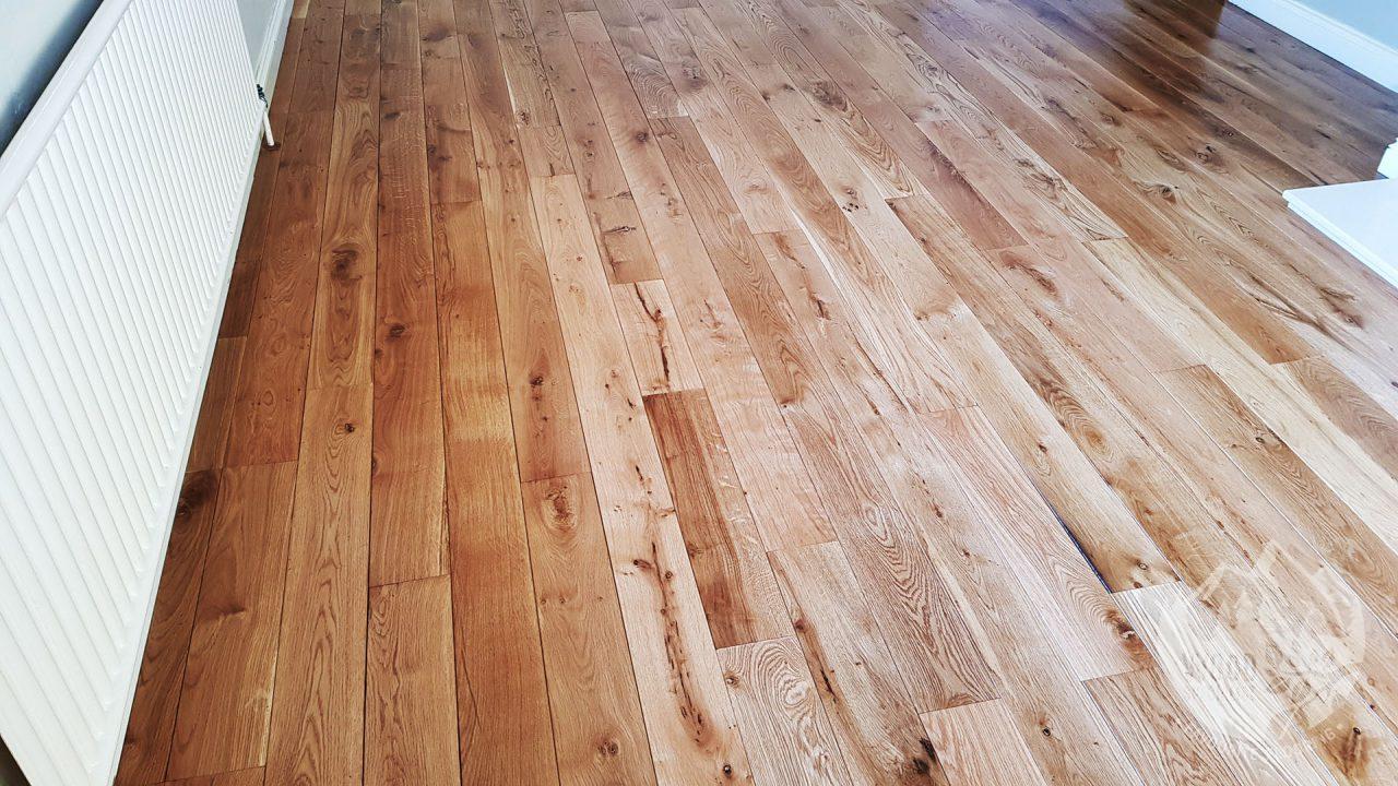 https://favouriteflooring.co.uk/wp-content/uploads/2020/05/Solid-Wood-Flooring-PR0-40-1280x720.jpg?v=1615847210